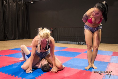 FightPulse-MX-118-Vanessa-vs-Luke-pins-only-013-seq.jpg