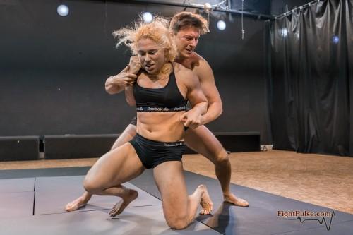 FightPulse-MX-146-Buffy-vs-Karel-172.jpg